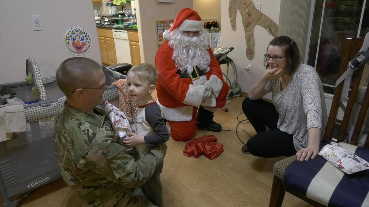 A soldier surprised his family after 3 and a half months in Syria, one week before Christmas. (Sara Tewksbury/KTVF)