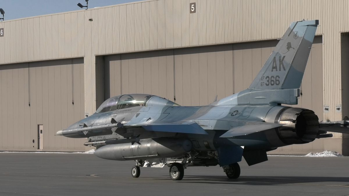 A F-16 with the 18th Aggressor Squadron at Eielson Air Force Base taxis as it prepares to take off. (Sara Tewksbury/KTVF)