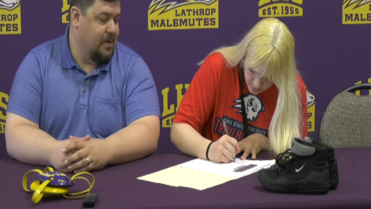 Desarae Matheny signs her NLI to wrestle for Dixie State University. (May 21, 2020 KTVF)
