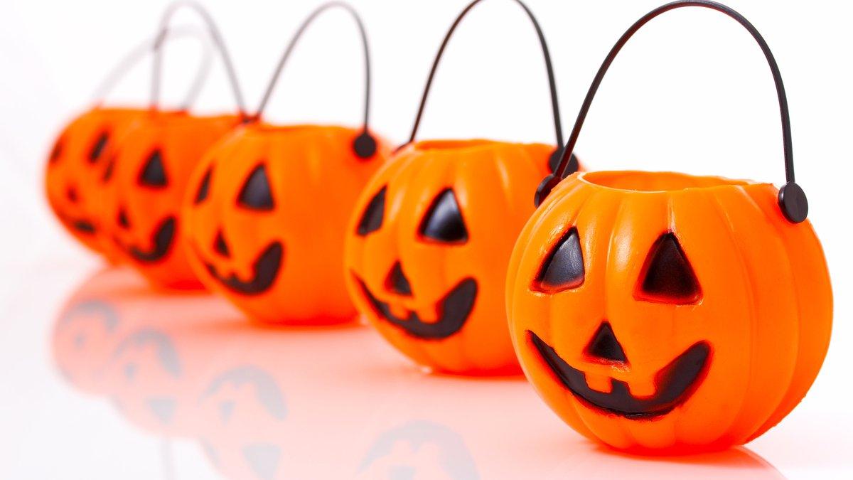 Pumpkin Buckets For Halloween Trick Or Treat