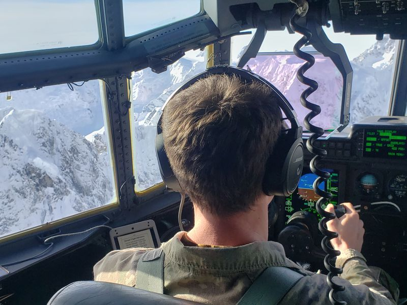 Flight surgeons take to the air to learn how to treat National Guard air crews