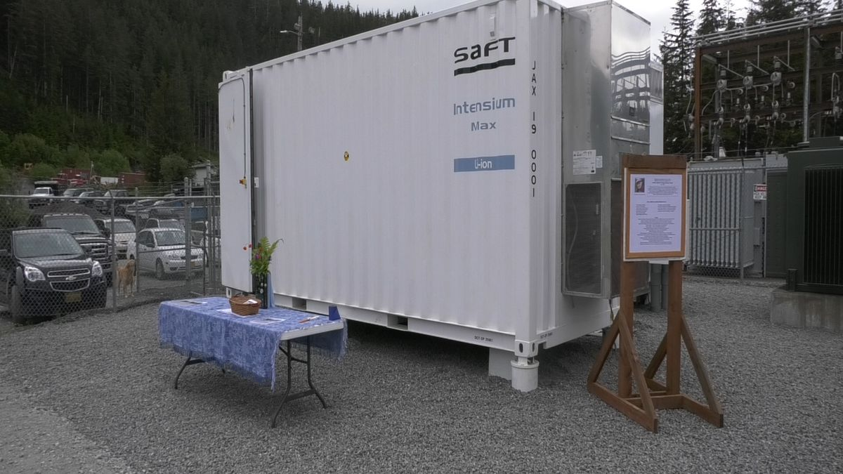 Cordova had a ribbon cutting for their new 500 kW Battery Energy Storage System and energy leaders from Washington D.C. and Alaska were there to celebrate the new system.