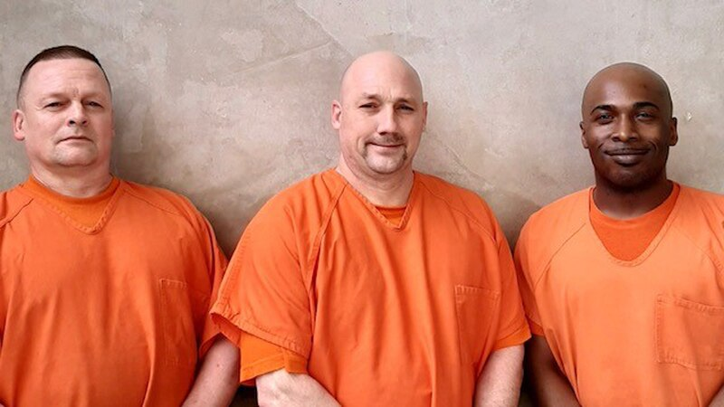 Three Georgia inmates are being praised after helping a deputy who suffered a medical emergency...