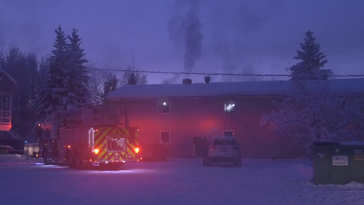 There was a structure fire Monday afternoon at Anderson Apartments. (Sara Tewksbury/KTVF).
