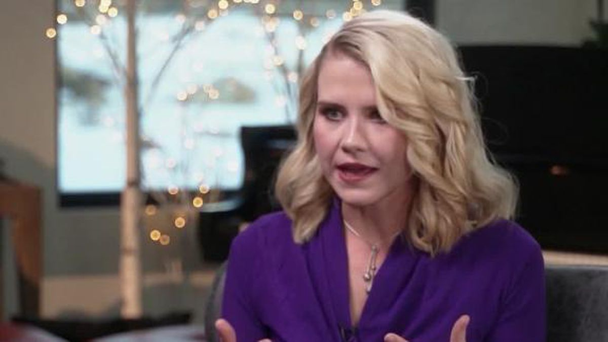 """Elizabeth Smart said on """"CBS This Morning"""" that she was sleeping when she felt someone's hand rubbing her inner thigh. (Source: HLN, CNN)"""