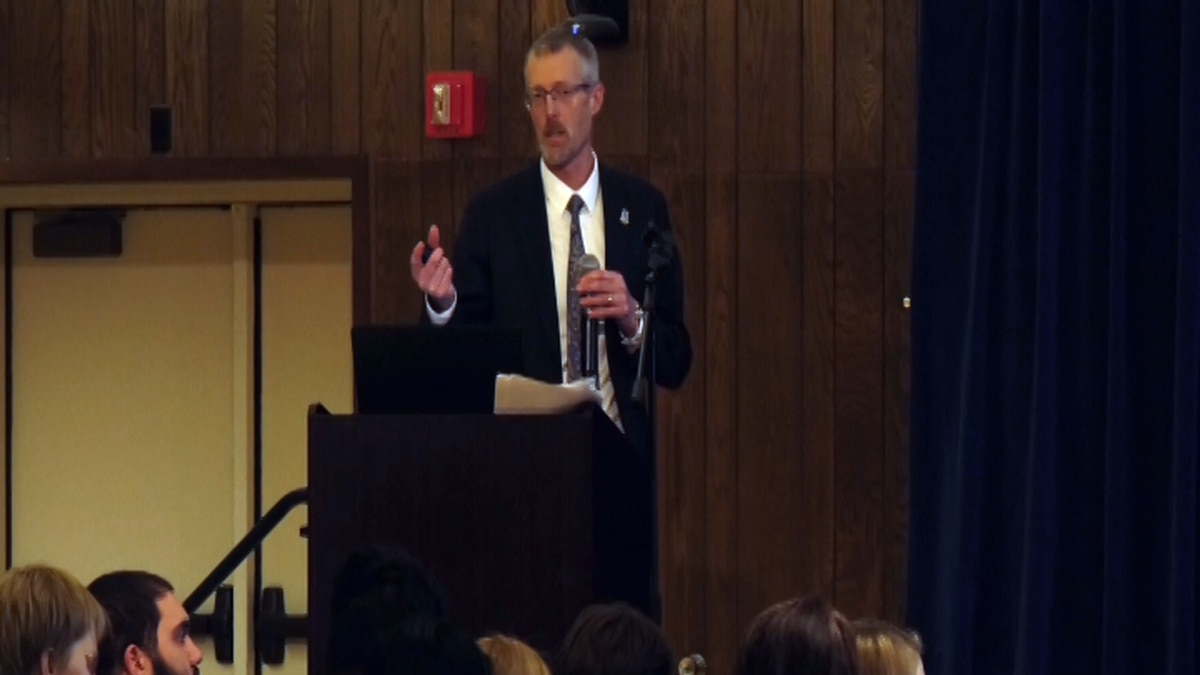UAF Chancellor Dan White talks to the students and faculty about the 2020 university budget (Carly Sjordal, KTVF)