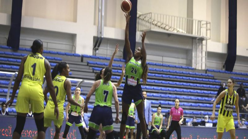 Ruthy Hebard goes up for a shot with her Turkish-based team Nesibe Aydin. (Credit Nesibe Aydin)