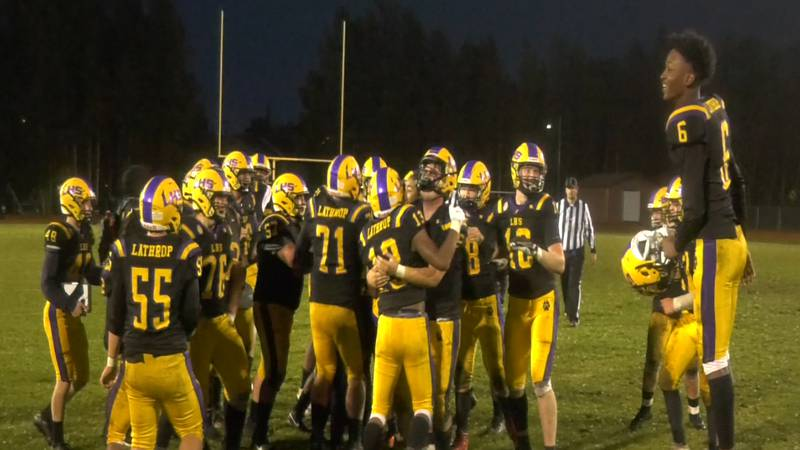 Lathrop pulled off the upset over #1 Soldotna to snap the Stars 22-game win streak.