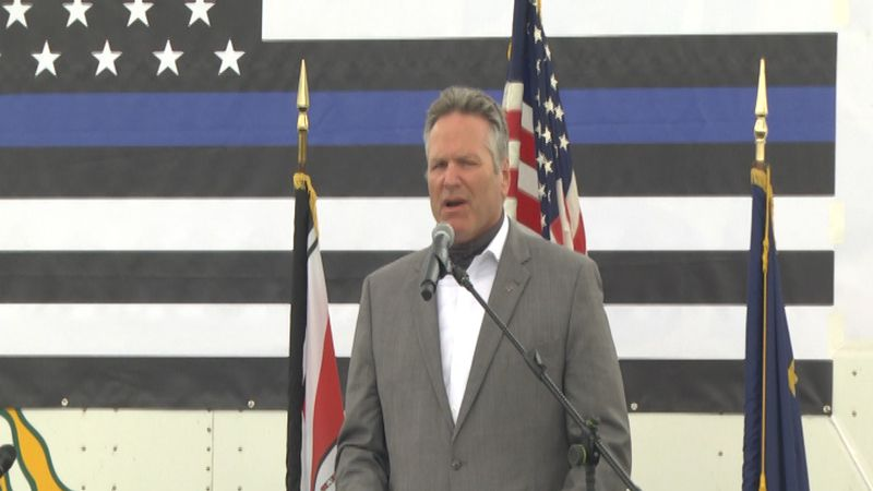 Governor Dunleavy speaks in support of law enforcement.