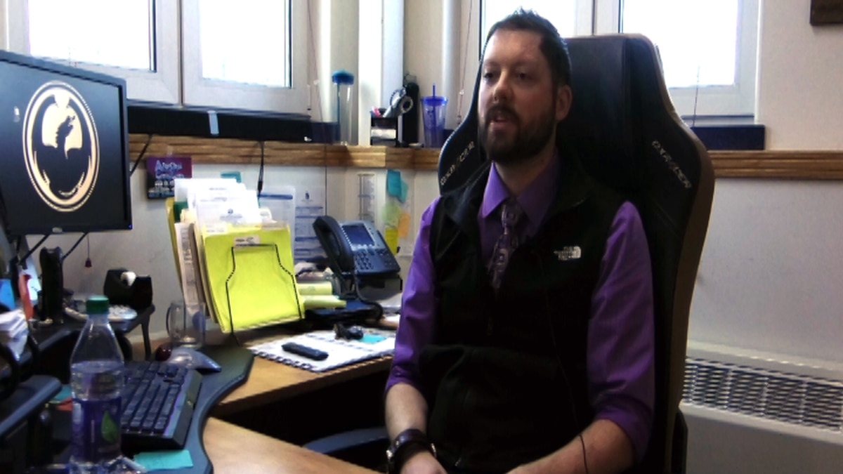 Bryan Uher explains that te five year grant from the U.S. Department of Education will support a new UAF program to teach students how to navigate the markets of YouTube, video game streaming and social media. (Carly Sjordal, KTVF)